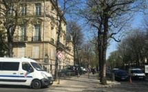 """""""Tous les samedis, nous nous enfermons"""", raconte une concierge des Champs-Élysées"""
