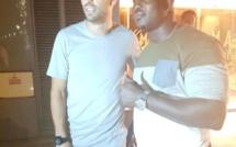 Arret sur image – Modou Lo et Gérard Piqué prennent la pose