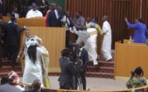 Assemblée Nationale : Les Alliés De Macky Chargés De « Guillotiner » Ousmane SONKO