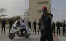 « POLICE », LE NOUVEAU CLIP DE CARLOU D