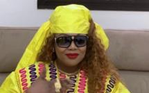Amina Poté refait surface et rayonne en tenue de grande dame