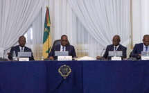 MACKY SALL ACCULE SES MINISTRES