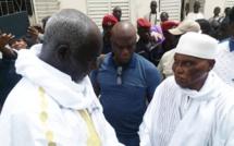 WADE À TOUBA/ L'ancien Président accueilli par Serigne Moussa Nawél avant sa rencontre avec le Khalife