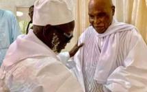 DERNIÈRE MINUTE- Me Abdoulaye Wade reçu à Touba par le Khalif Serigne Mountakha Mbacké