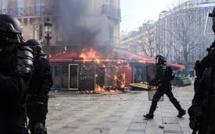 Gilets jaunes, climat, retraites : journée de manifestations tendue à Paris