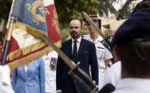 Edouard Philippe rend un sabre et vend des missiles