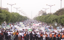 Marche de protestation d'opposants contre la hausse des prix de l'électricité