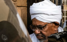 """Au Soudan, l'ex-président Omar el-Béchir condamné à deux ans de """"résidence surveillée"""" pour corruption"""