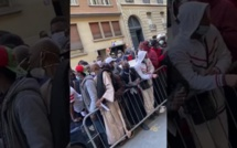 Paris : Une foule de Sénégalais pour recuperer l'aide à la diaspora
