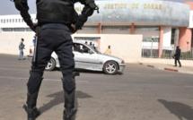 UN FAUX POLICIER DÉMASQUÉ GRÂCE À SA FEMME