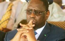 Son entourage indifférent…: Macky Sall ne risque-t-il pas de tomber dans la « mare » à crocodile de ses détracteurs ?