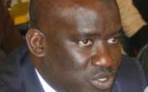 Moussa Tine sort du bois et...