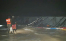 Migration irréguliere : Une pirogue échoue à Goxu Mbacc, la population au secours des passagers.
