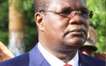 Pour des raisons de santé, Ousmane Ngom bénéficie d'une autorisation de sortie du territoire