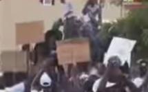 Vidéo-Macky Sall accueilli à l'Ucad par des rafales de pierres, Regardez…