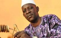 Accusé de manquer un engagement pour prester devant le Président Condé, le musicien Lama Sidibé dans de beaux draps