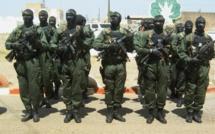 Gendarmes, éléments du Gign, chiens, matraques électriques à Malem-Hodar pour sécuriser le meeting de l'Afp